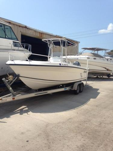 Angler Boats 230 B