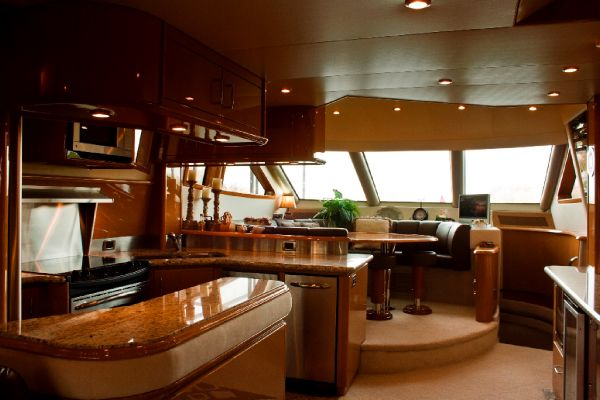 Galley / Dinette