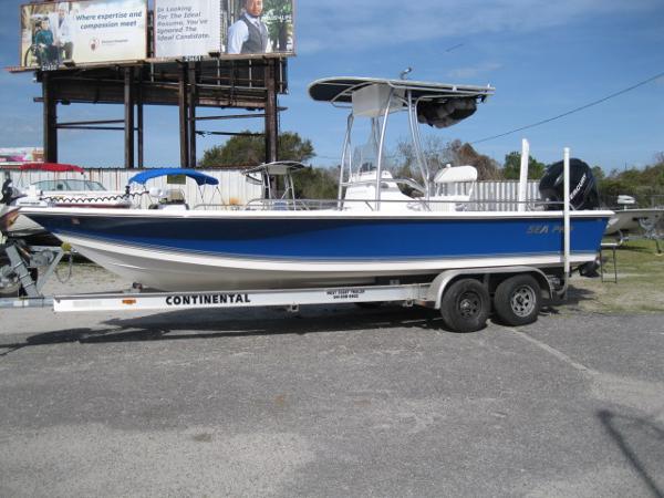 Sea-pro SV2400CC Bay Boat