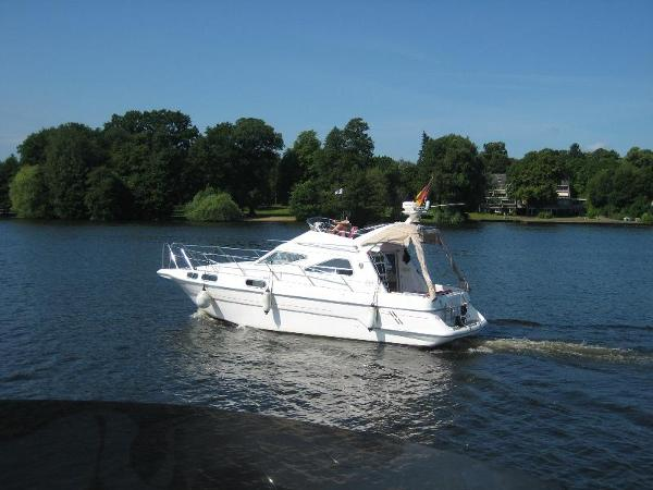 Sealine CS 310 Statesman