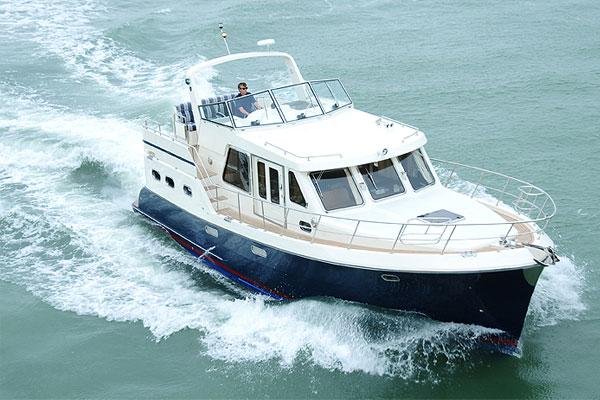 Helmsman Trawlers 42 Cruiser Aerial