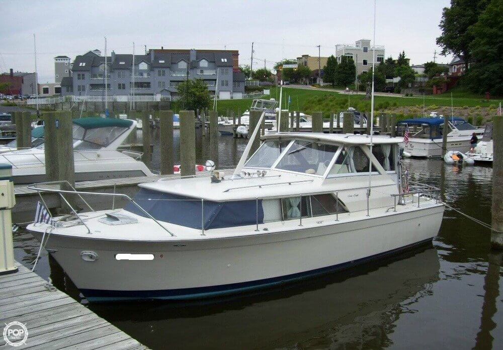 Chris-Craft Commander 31 1971 Chris-Craft Commander 31 for sale in Michigan City, IN