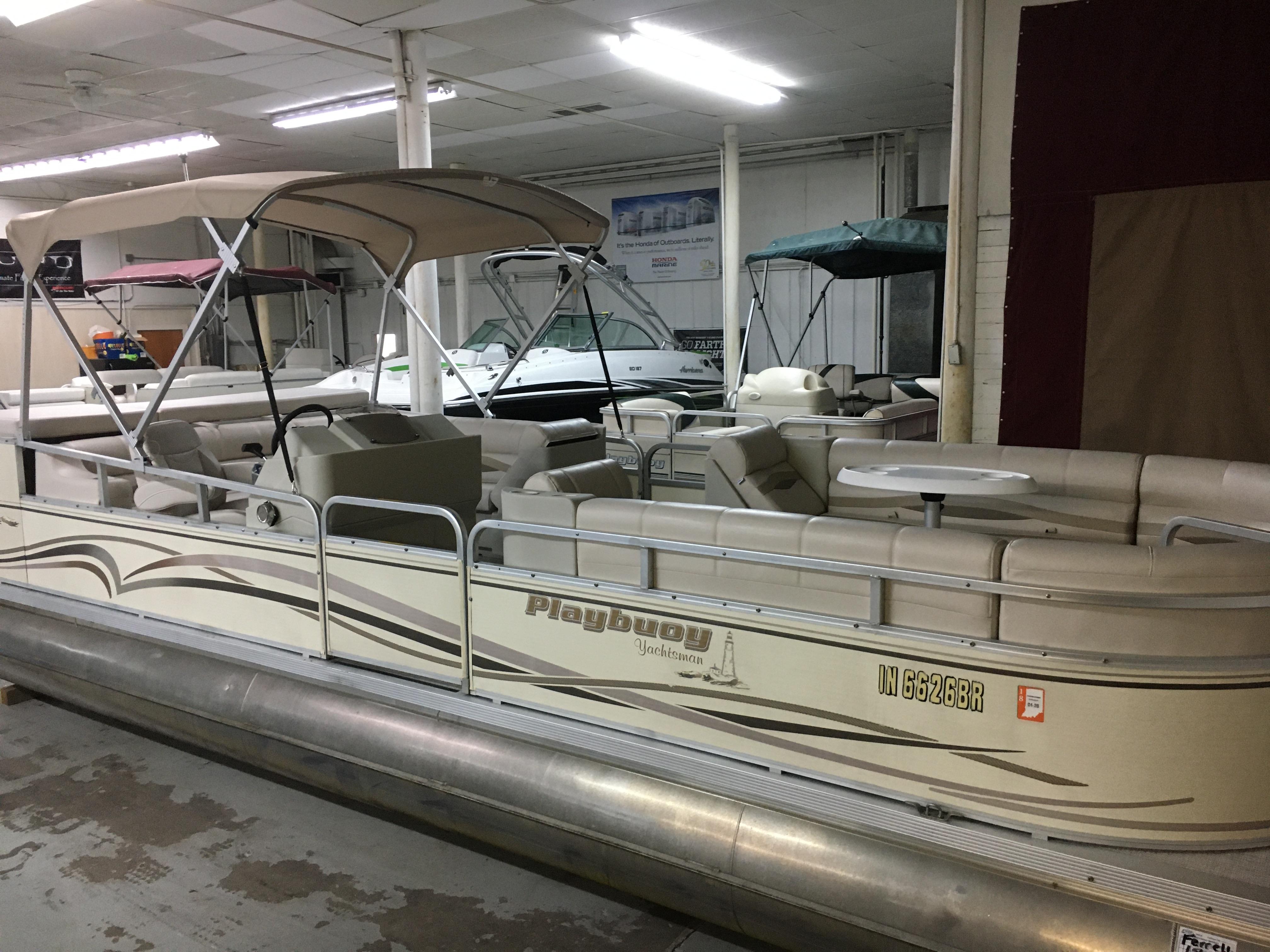 Playbuoy Yachtsman 2523