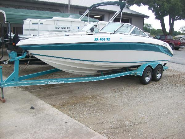 1996 Celebrity Boats 240 BR Price, Used Value & Specs ...