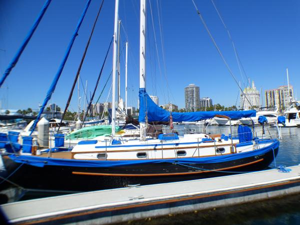 Tayana 37 Portside Profile
