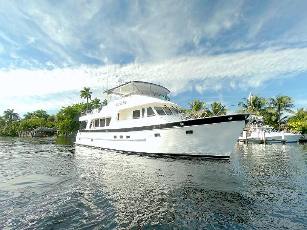 Outer Reef Yachts Motor Yacht