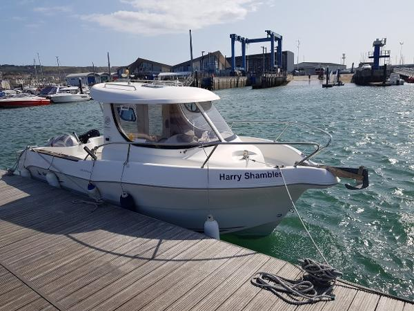 Quicksilver 640 Pilothouse Quicksilver 640 Pilothouse