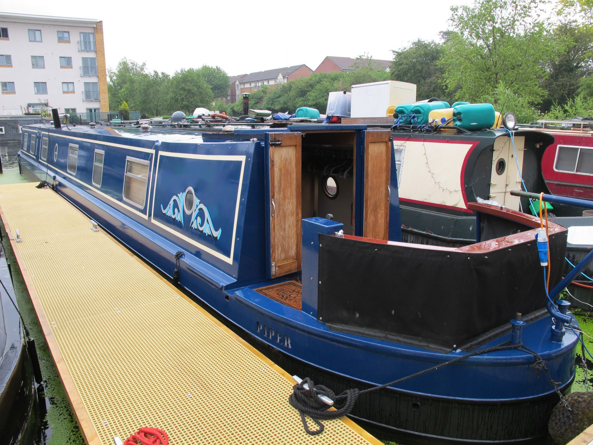 Narrowboat 69ft Cruiser Stern