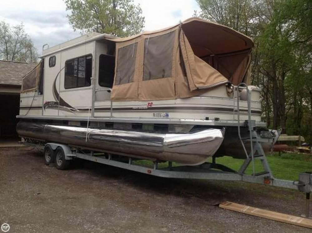Sun Tracker 31 Party Cruiser 2004 Sun Tracker Party Cruiser 32 for sale in Leechburg, PA