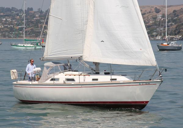 Pearson 34 Under sail