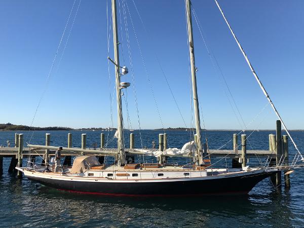 Cherubini Schooner Starboard profile at the dock