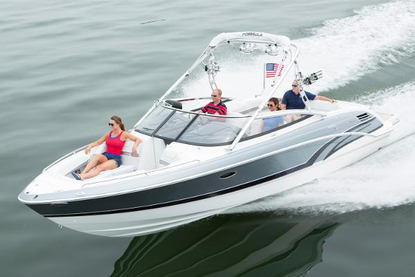 Formula 270 Bowrider Manufacturer Provided Image