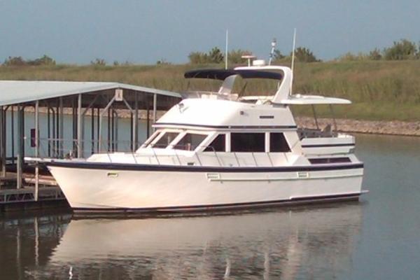 Jefferson 42 Sundeck Motor Yacht Profile