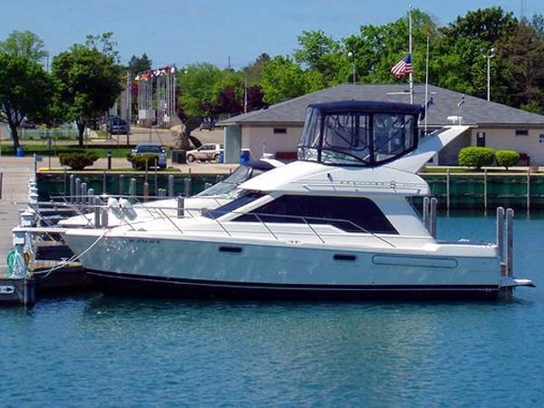 Bayliner 3388 Port Profile