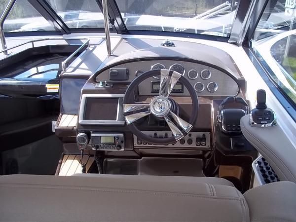 2014 Regal 35 Sport Coupe - Helm