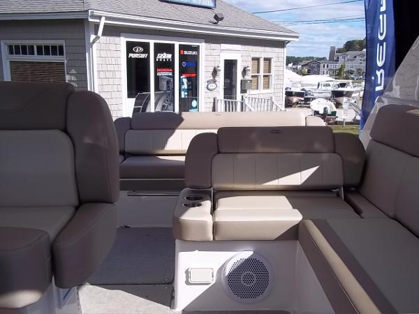 2014 Regal 35 Sport Coupe - Lounge