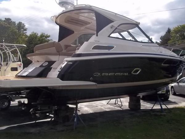 2014 Regal 35 Sport Coupe - Starboard