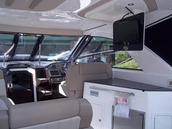 2014 Regal 35 Sport Coupe - Sink