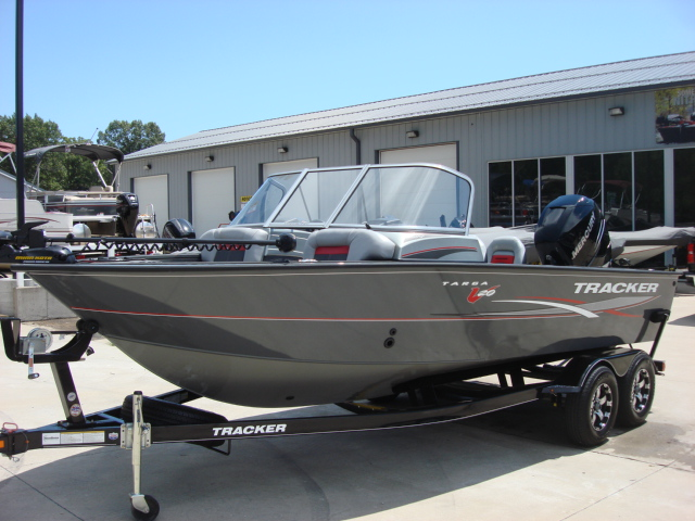 TRACKER BOATS Multi-Species Deep V Boat Targa V-20 WT