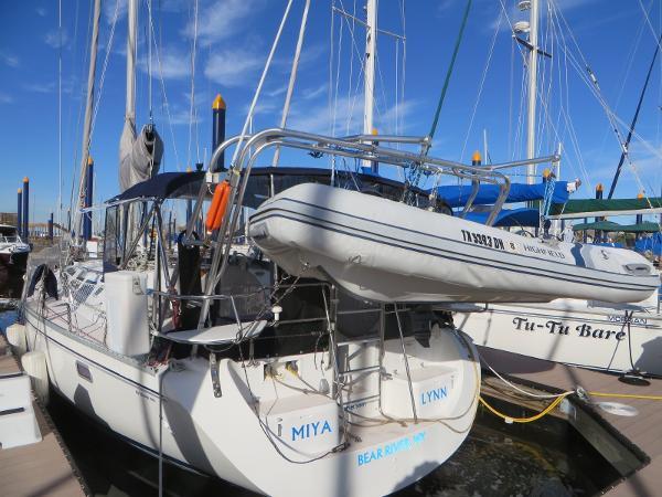 Catalina 400