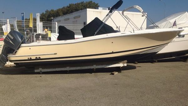 Chris-Craft Catalina 23