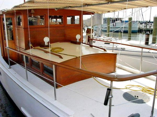Aft Deck Sun Cover