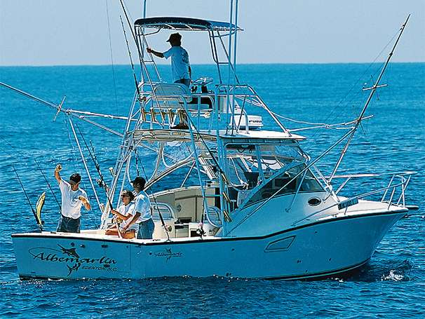 Albemarle 320 Express Fisherman Manufacturer Provided Image