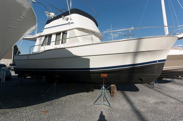 Mainship 350 Trawler Starboard Side