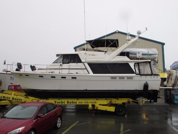 Bayliner 45 Pilothouse w/ THRUSTER