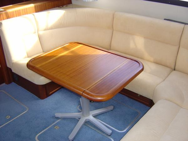 Deck Saloon Seating & Table