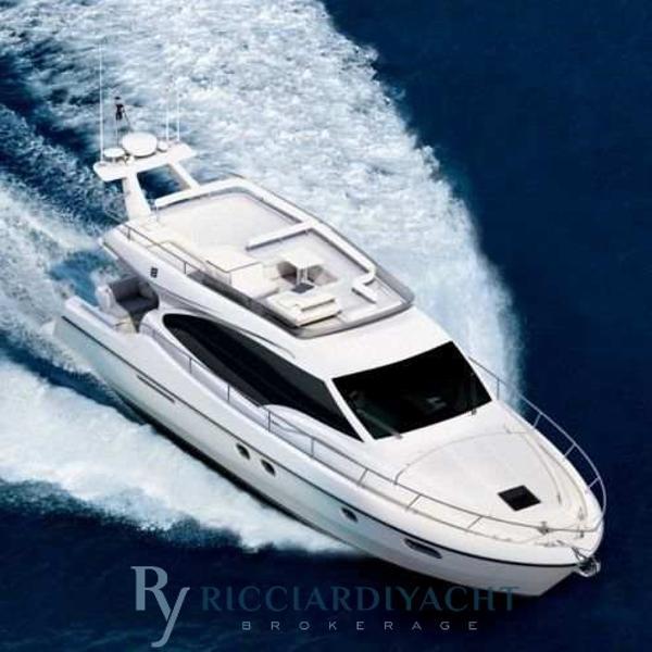 Ferretti Yachts 470 7659X1287961981675885001.jpg