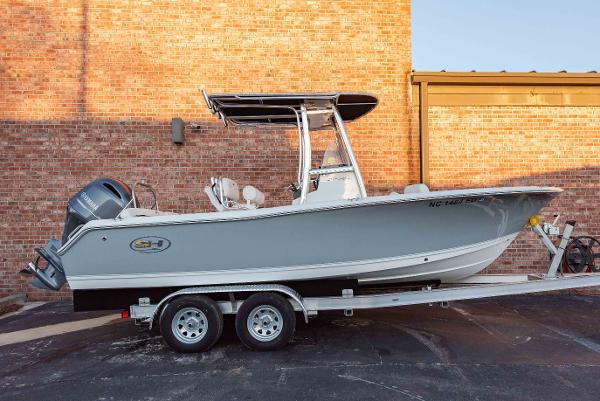 Sea Hunt Ultra 211