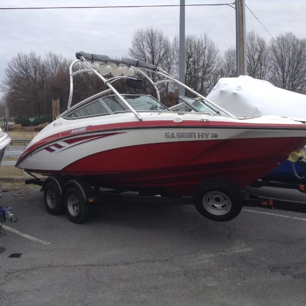 Yamaha Sport Boat AR 210