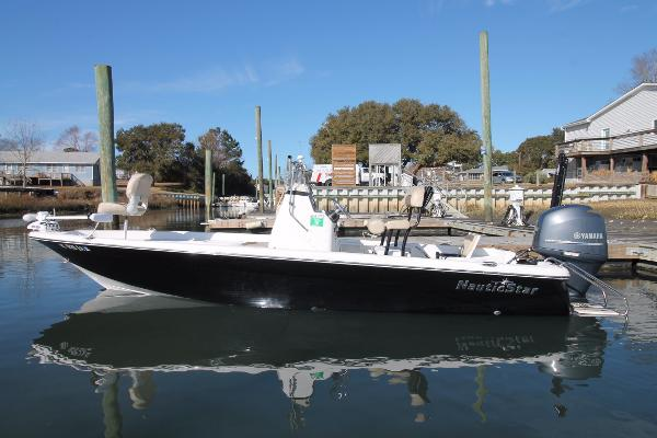 NauticStar 214 XTS