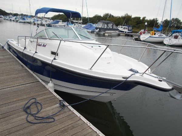 Bayliner Trophy 2352 Walkaround