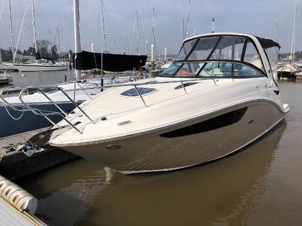 Sea Ray 265 Sundancer Bow
