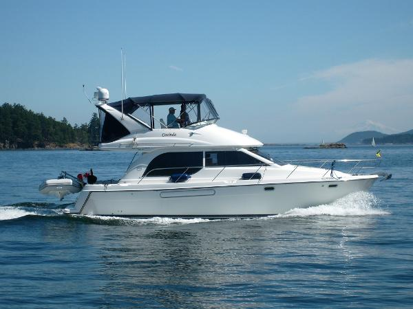Bayliner 3788 Command Bridge Motoryacht