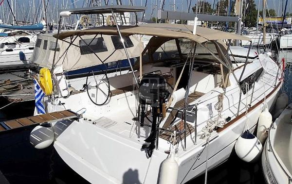 Dufour 382 Grand Large Dufour 382 Grand Large for sale in Greece