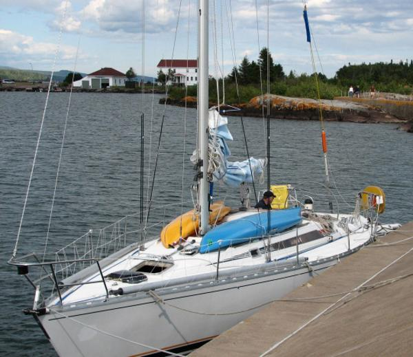 Beneteau First 38.5 At the dock