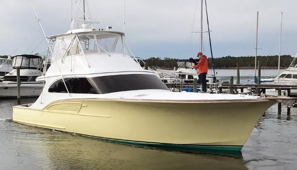 B&D Boatworks Buddy Davis  Convertible Sportfish