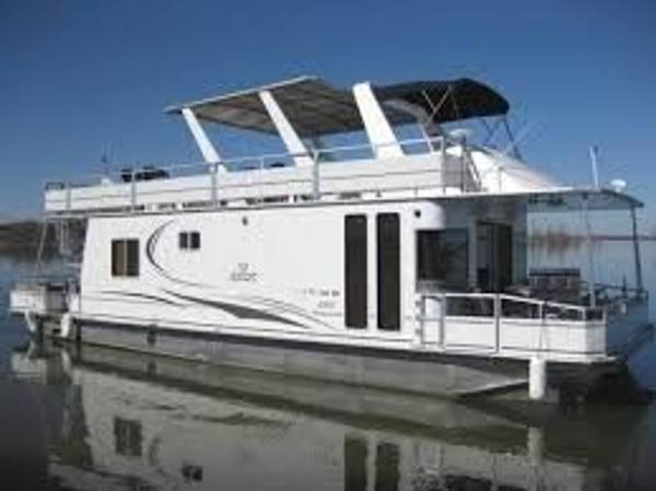 M Yacht 5015 Houseboat