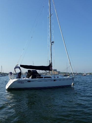 Catalina 320 On The Mooring