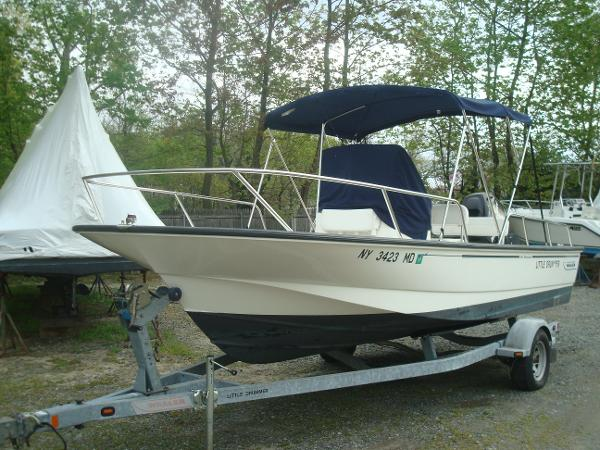 Boston Whaler 19 Montauk