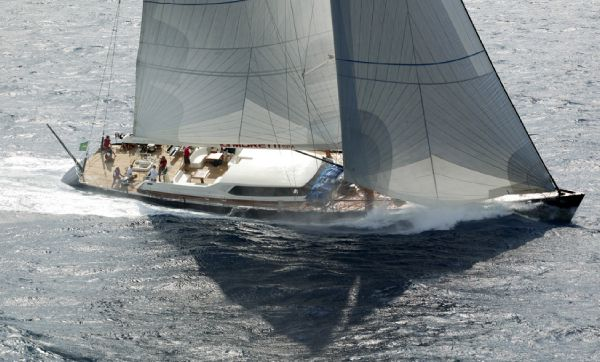 Maxi Dolphin Sloop 118'  Sailing