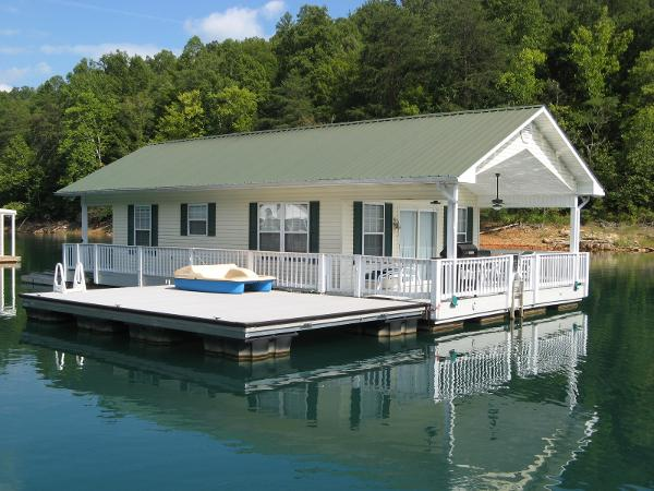 CUSTOM BUILT 20 x 31 Floating Cottage 620sqft