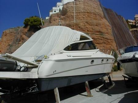 BAIA FLASH 48 Starboard side view