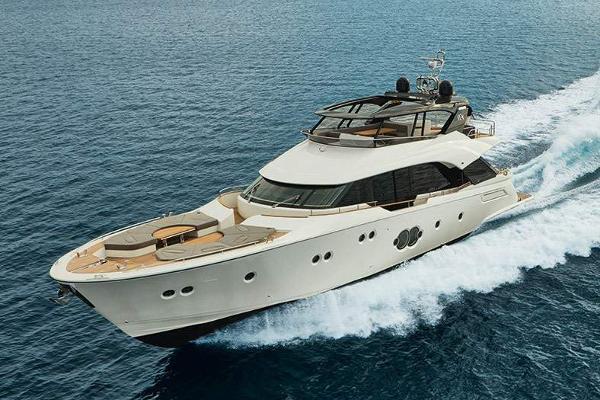 Monte Carlo Yachts MCY 80 Monte Carlo Yachts MCY 80