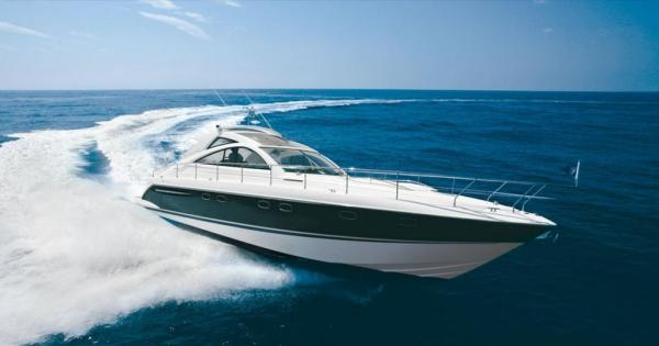 Fairline Targa 52 Cruising
