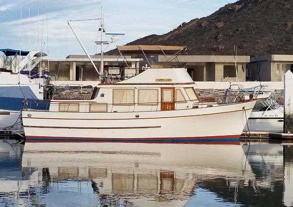 Marine Trader 40 Trawler Profile