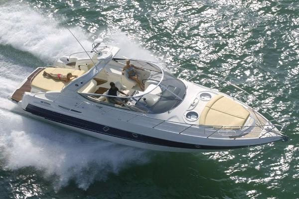 Cranchi Endurance 41 Similar vessel